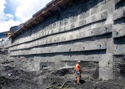 Gunitarbeiten in der Baugrube