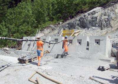 Einbau Litzenanker für die Verankerung der Bergstation