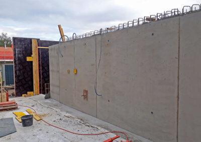 Betonierte Seitenwand